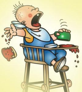 ребёнок кушает самостоятельно